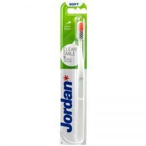 "Tandborste ""Clean Smile Soft"" - 33% rabatt"